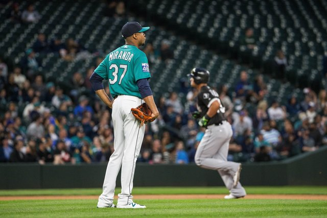 Mariners lose again 2