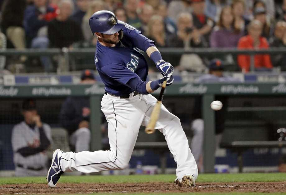 Haniger beats Tigers